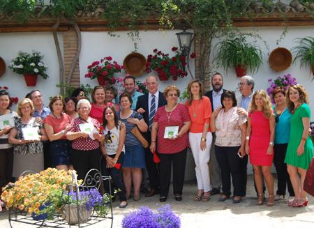 Los protagonistas, así como técnicos de Turismo y representantes políticos, se dieron cita en el patio ruteño para la entrega de premios
